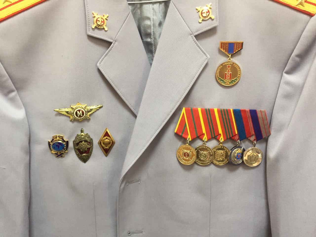 Китель с медальными колодками